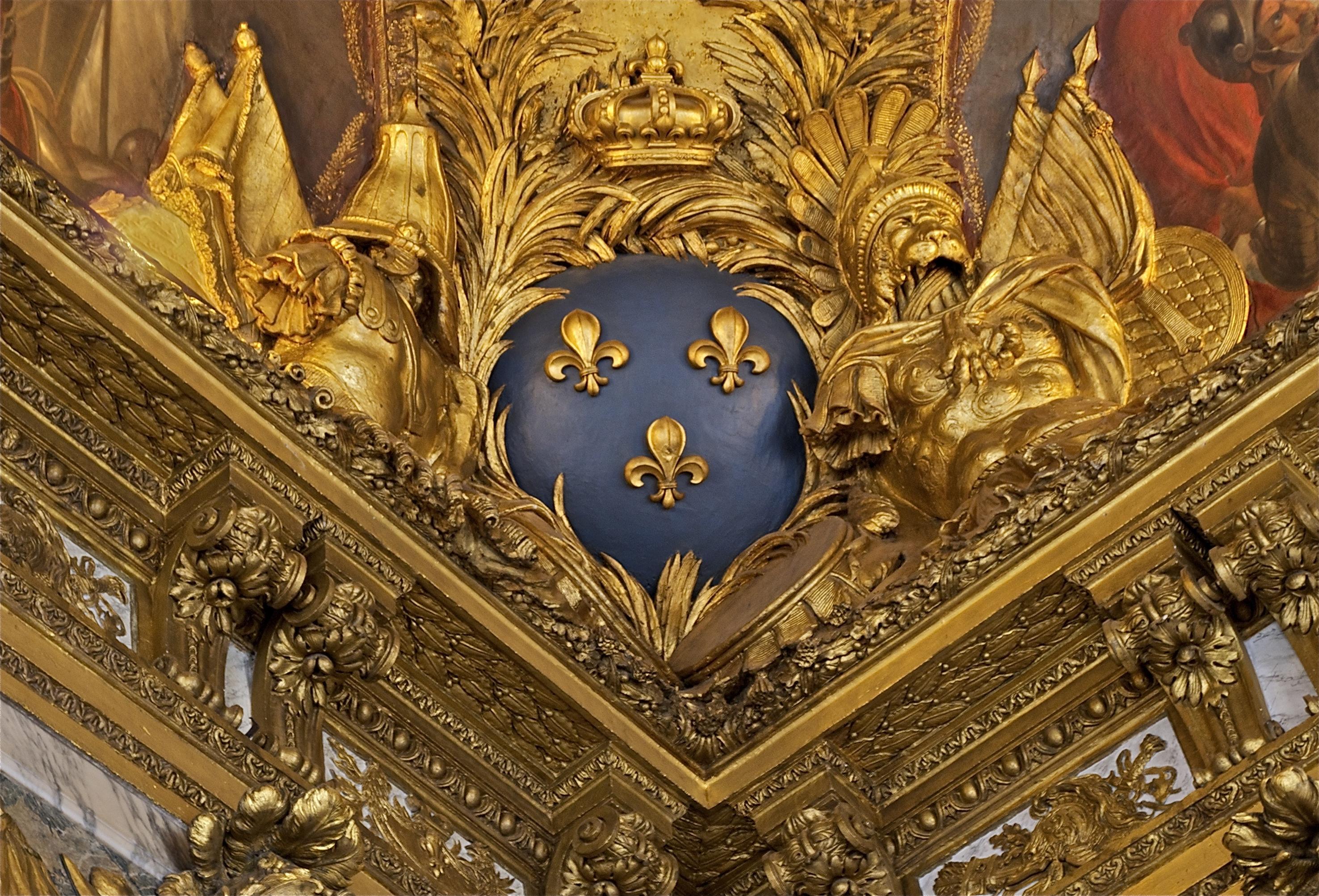 File:Fleurs de lis salon guerre angle plafond Versailles.jpg ...
