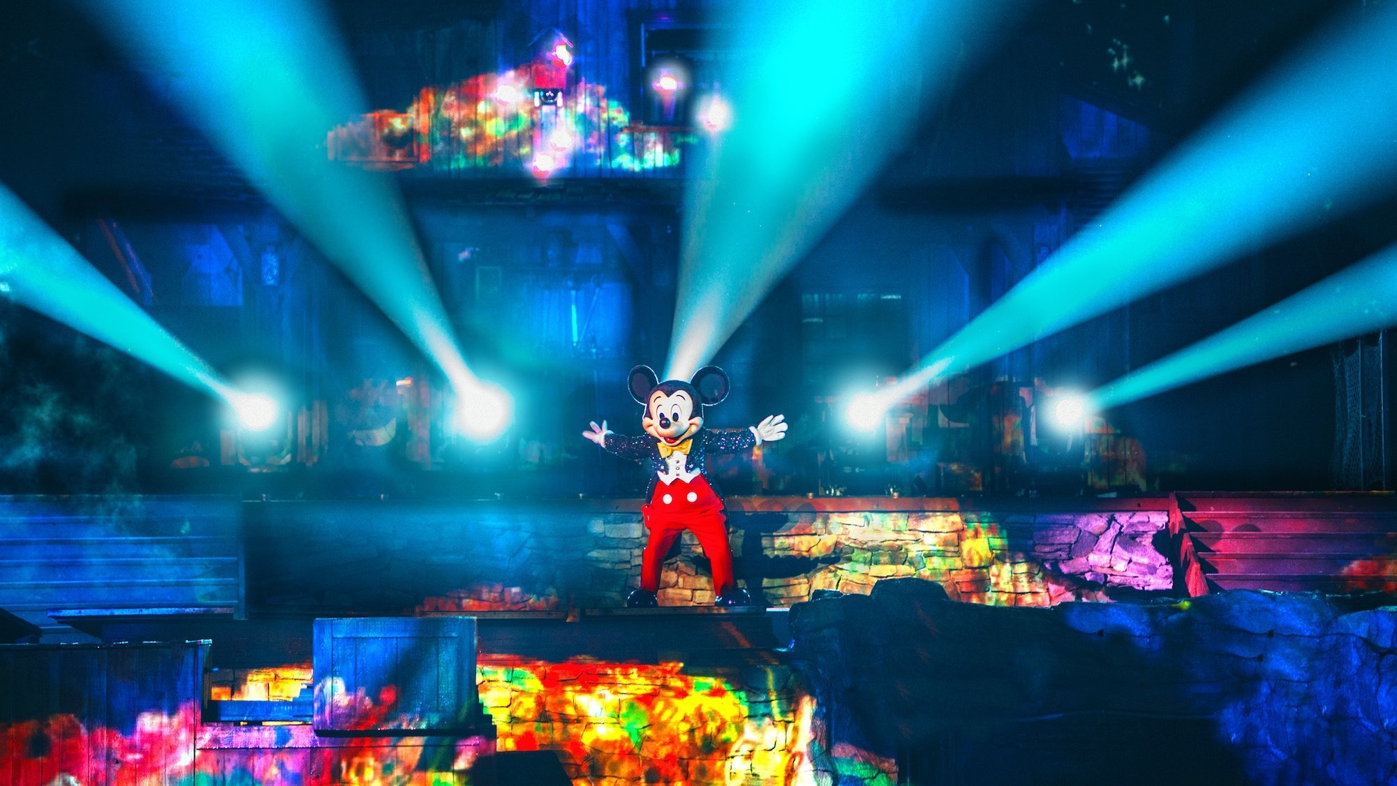 Fantasmic! | Entertainment | Disneyland Park | Disneyland Resort